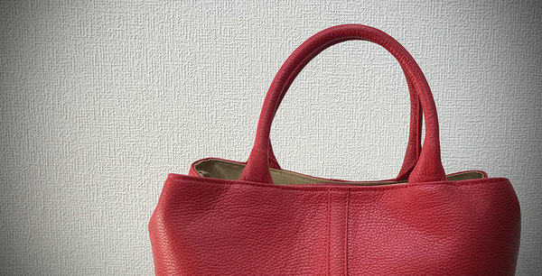 牛革バッグ製造直売のイデツ工芸、ホームページのこだわりについて(写真撮影)