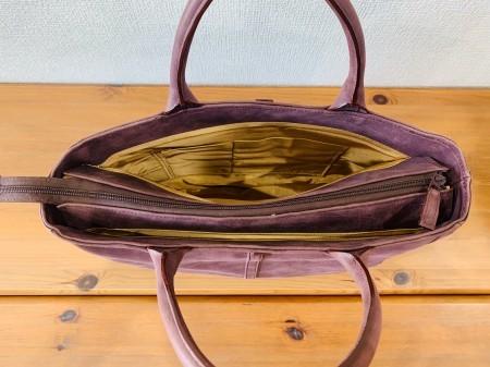 軽い!独特な筋模様のA4サイズが入る牛革ハンドバッグ(ぶどう色)