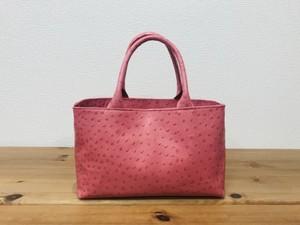 軽い!オーストリッチ風の牛革・小型ハンドバッグ【ピンク】