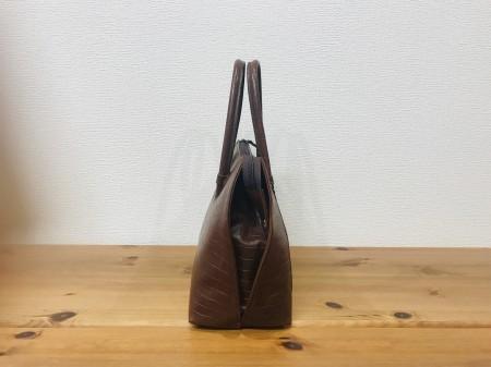 軽い!クロコダイル風の牛革・天ファスナーのハンドバッグ【茶色】