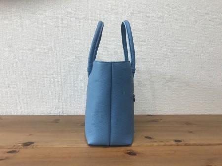 軽い!牛革姫路レザー・中型ハンドバッグ【水色】